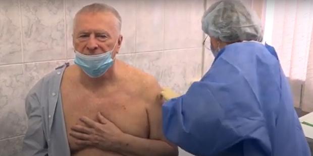 Фото №2 - На свой страх и риск: 74-летний Жириновский сделал прививку от коронавируса, которую в его возрасте не рекомендуют