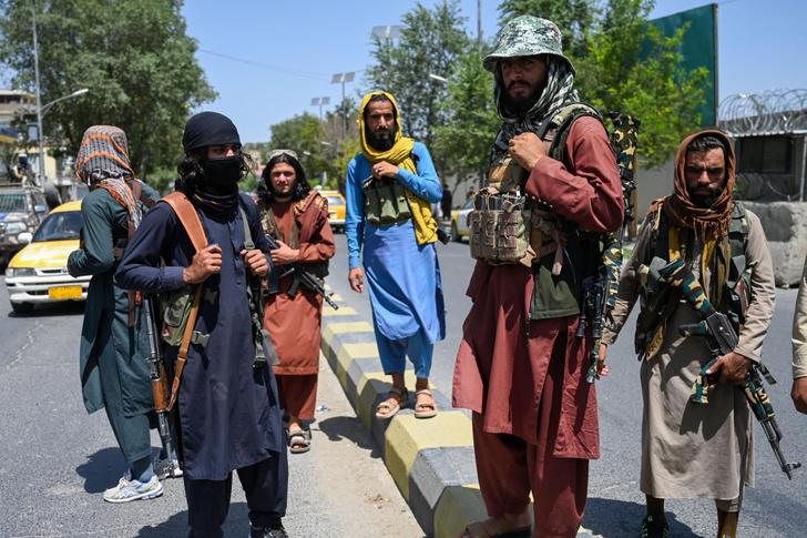 Фото №2 - Свобода за чадру: что станет с женщинами Афганистана при «Талибане»