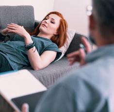 8 признаков того, что вы обратились к психологу-шарлатану