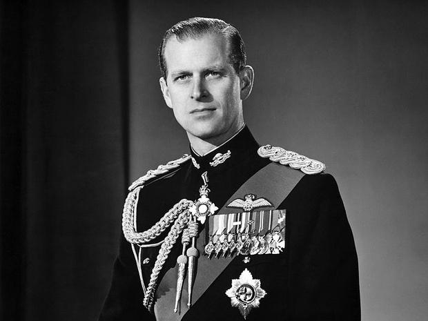 Фото №1 - Тяжелая ноша: единственный раз, когда принц Филипп не справился с грузом ответственности за Корону