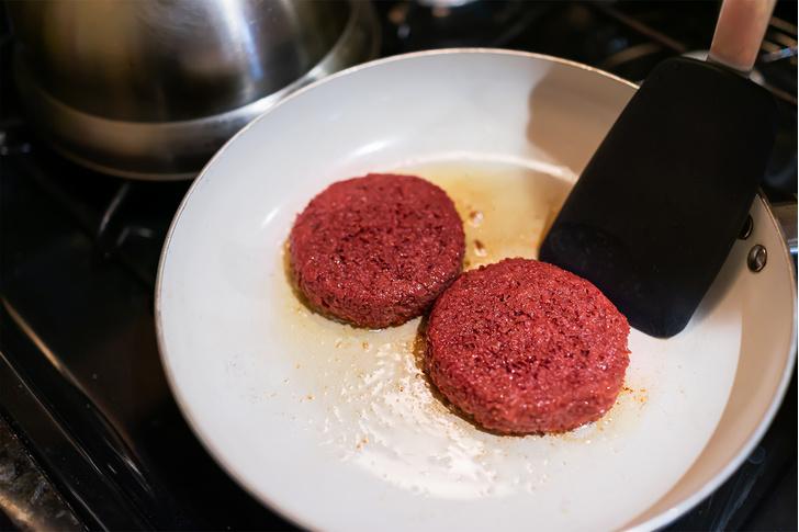 Фото №2 - Котлета денег: из чего делают искусственное мясо и почему оно так дорого стоит