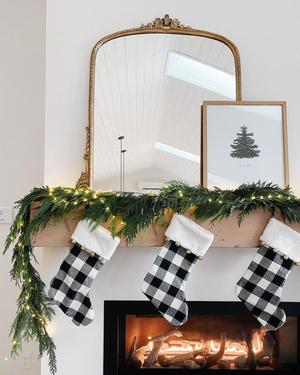 Фото №11 - Бюджетно и красиво: Как украсить дом к Новому году без лишних затрат 💫