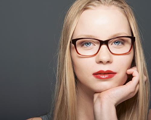 Фото №4 - Полезные бьюти-хаки для девушек, которые носят очки