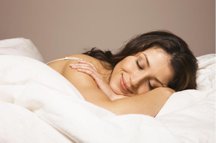 Фото №1 - 5 лайфхаков, чтобы быстрее уснуть, и другие советы от сомнолога