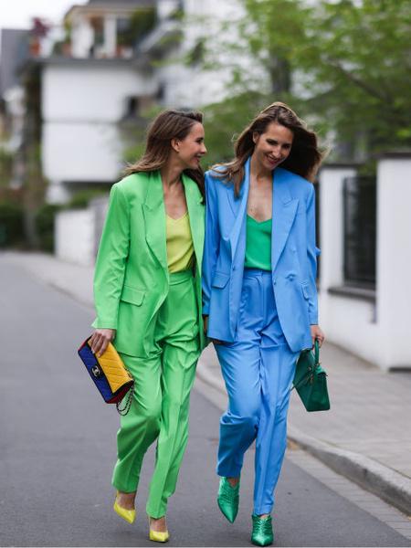Фото №2 - Советы стилиста: правила сочетания ярких цветов в одежде
