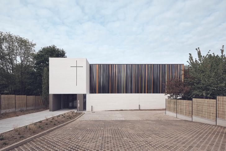 Фото №1 - Минималистская церковь во Франции: проект Enia Architectes