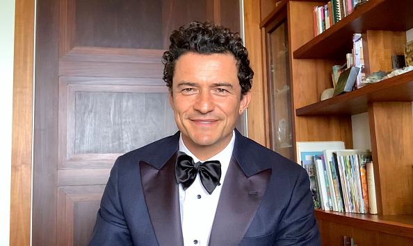 Фото №1 - Восемь лучших мужских образов Critics Choice Awards 2021