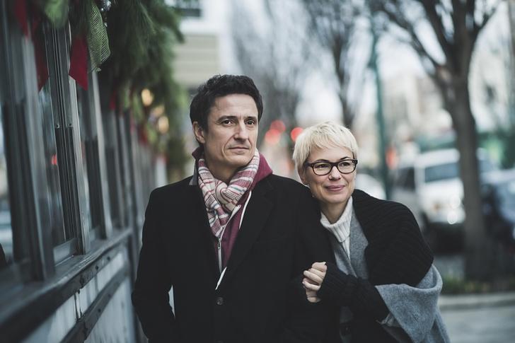 Фото №1 - Тест: какой иностранец для вас идеальный муж?