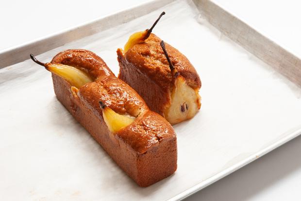Фото №1 - Рецепт дня: кекс с грушей и пряностями