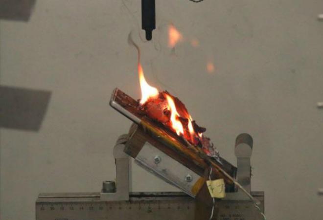 Фото №2 - Огнеопасно: Samsung Galaxy Note 7 взрываются во время полета
