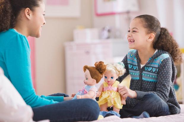 почему девочки не играют в куклы