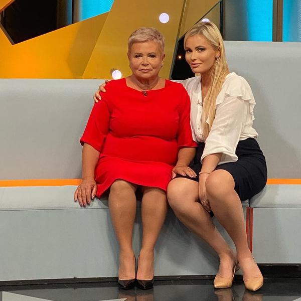 Фото №1 - «Она в реанимации»: Борисова поделилась последними новостями о здоровье мамы