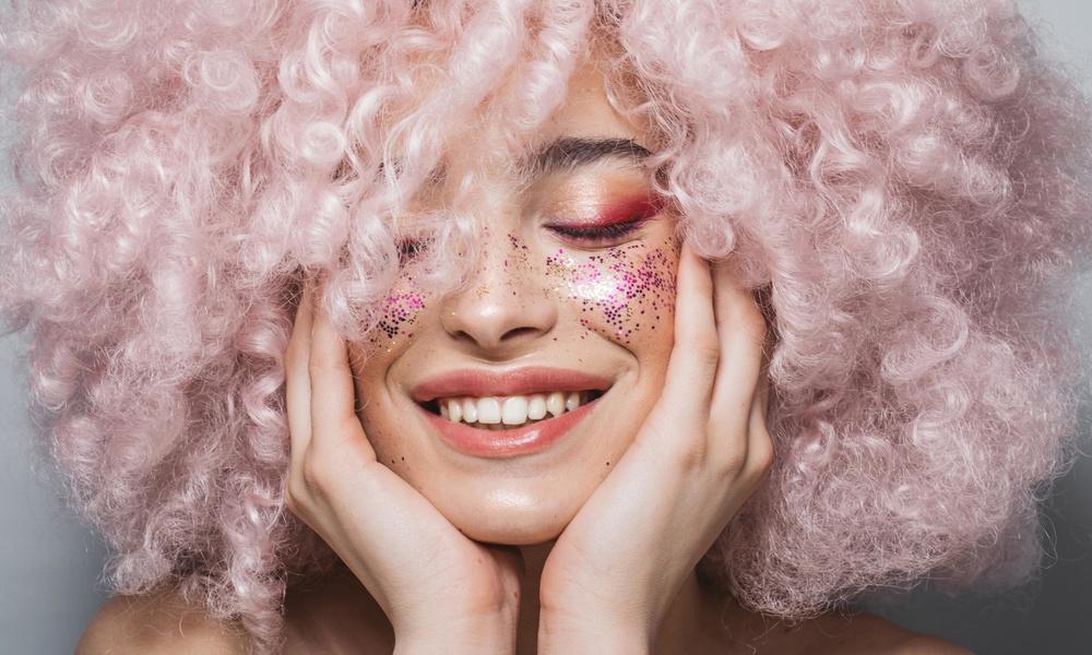 Новогодний макияж для вечеринки в Zoom: пошаговая инструкция с видео