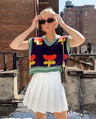 Фото №12 - Трикотажный жилет: 15 стильных вариантов для осеннего гардероба