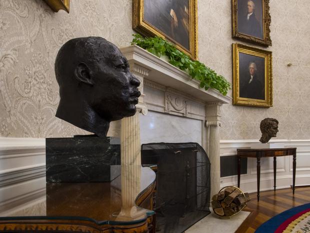 Фото №5 - Борьба вкусов: как и зачем Джо Байден изменил интерьер Овального кабинета