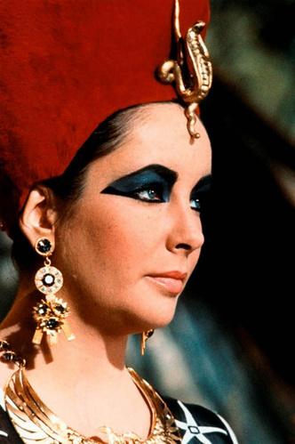 Фото №8 - Сокровища мира кино: кто создавал культовые украшения голливудских актрис
