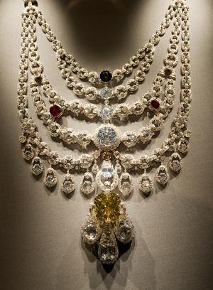 Фото №8 - Сокровища индийских князей: как выглядят самые роскошные украшения махараджей