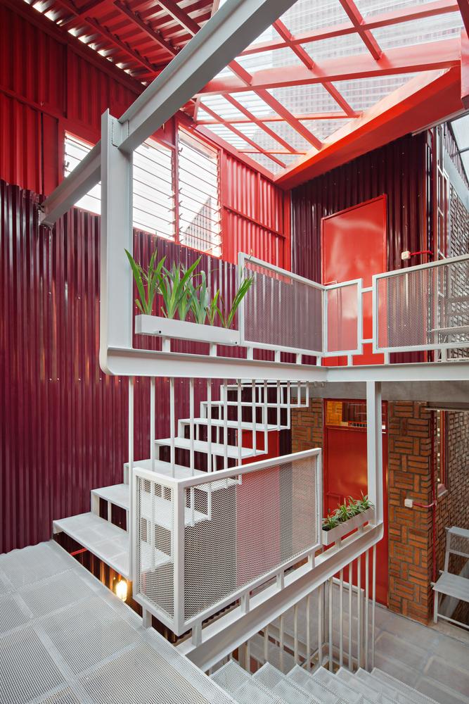 Фото №3 - Яркий пансион на острове Ява по проекту Ismail Solehudin Architecture
