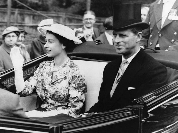 Фото №2 - Семейный кризис: сколько раз Королева думала о разводе с принцем Филиппом (вы удивитесь)