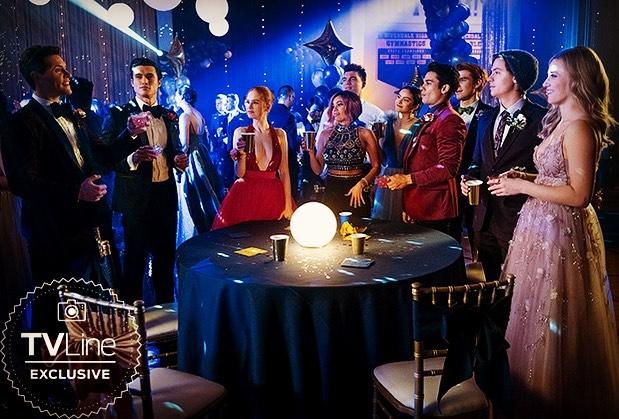 Фото №1 - В Сети появились первые кадры из пятого сезона «Ривердейла»— зацени!