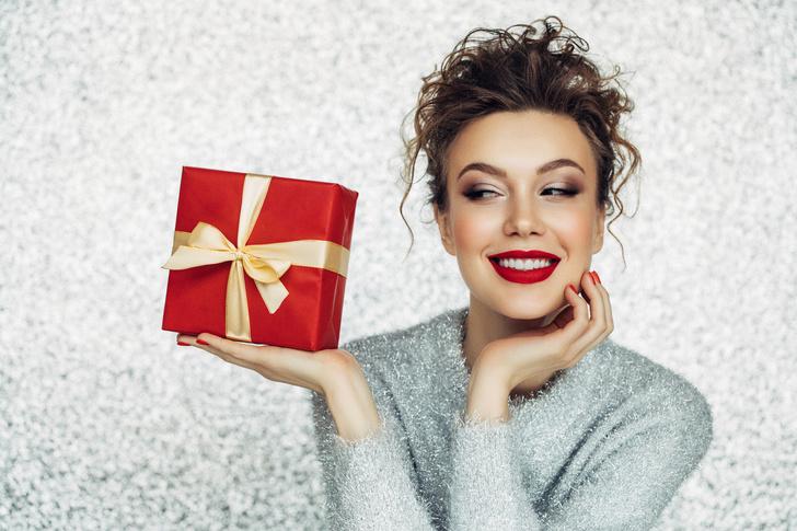 Фото №1 - Выкинуть жалко и девать некуда: неудачные подарки для дома
