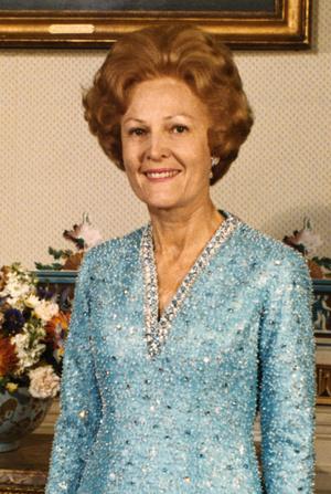 Фото №10 - Королевы Белого дома: самые роскошные инаугурационные платья Первых леди