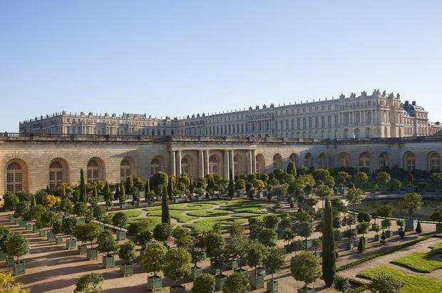 Фото №1 - Breaking News: на территории Версаля открывается отель