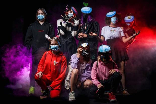 Фото №4 - Among Us: 20 фантастических костюмов на Хэллоуин для космонавтов и предателей