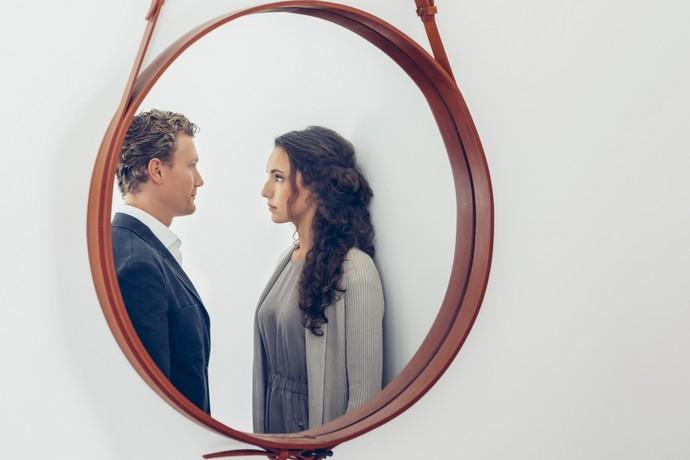 фото приложить друг к другу и зеркала необычные запоминающиеся