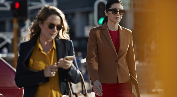 Привычка быть «серой мышью», или Как одежда помогает достичь успеха