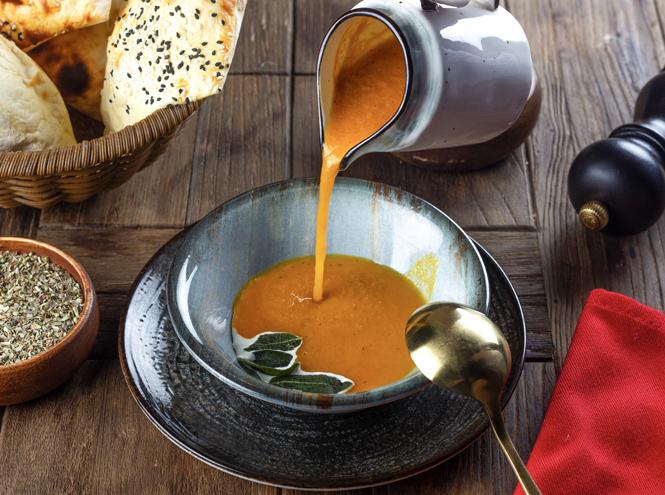 Фото №4 - Зимнее меню: 9 рецептов согревающих супов со всего мира