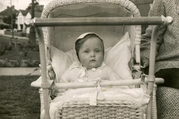 Фото №1 - Занимательная история: уход за младенцем вчера и сегодня