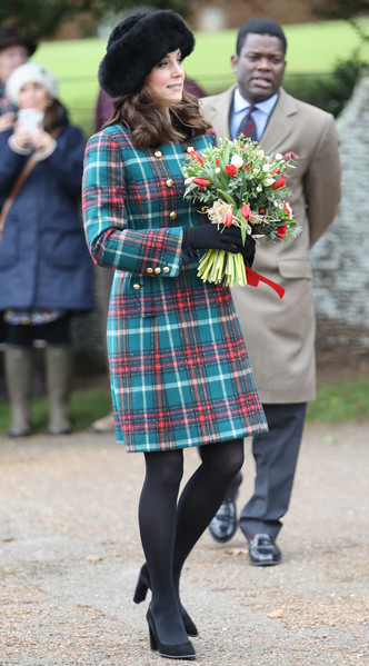 Фото №4 - Все цвета радуги: почему герцогиня Кейт так любит яркие пальто