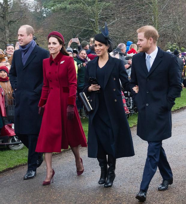 Фото №1 - Меган Маркл вычеркнула Кейт Миддлтон из списка королевских рабочих контактов