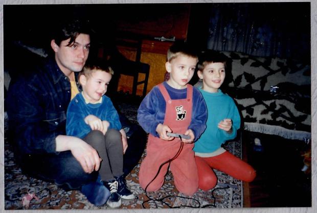 Сергей Белоголовцев с сыновьями