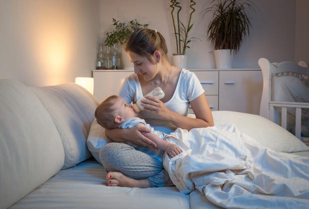 Фото №1 - «Можно ли 3-летнего ребенка кормить по ночам?»