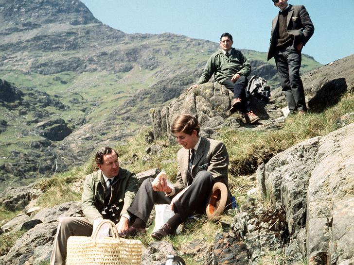 Фото №16 - Как простые люди: самые колоритные фото королевских пикников