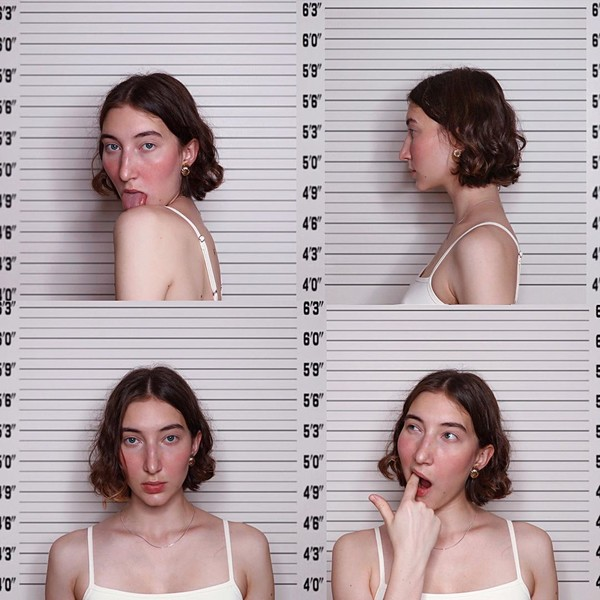 Фото №8 - Как красиво улыбаться на фотографиях: 8 способов