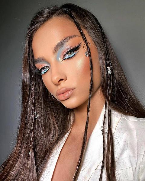 Фото №4 - Как подчеркнуть загар макияжем: 7 трендовых идей