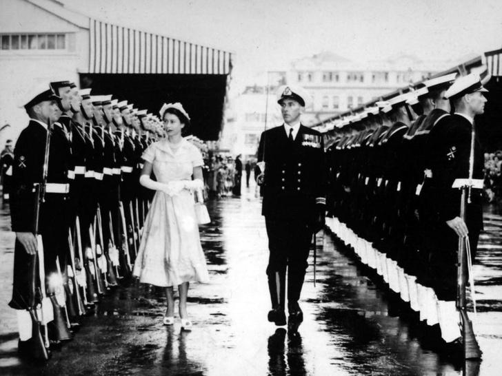 Фото №2 - 10 самых впечатляющих королевских туров Елизаветы, которые вошли в историю