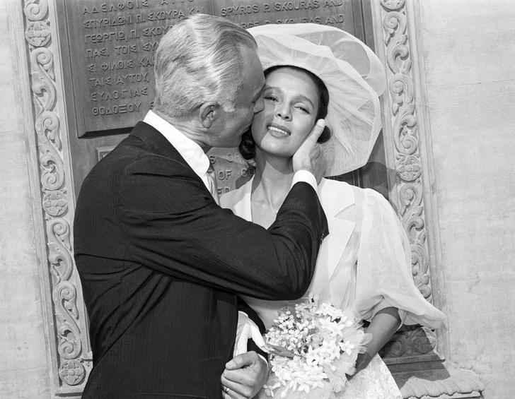 Фото №23 - Как выходили замуж легенды Голливуда: самые красивые ретро-фотографии