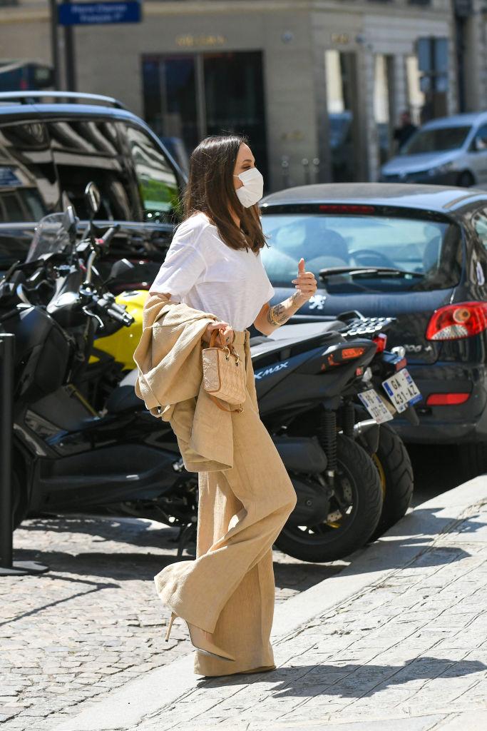 Фото №3 - И бог создал женщину: Анджелина Джоли в безупречном льняном костюме