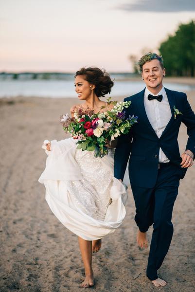 Фото №3 - Уронить кольцо – к измене: полное собрание свадебных примет