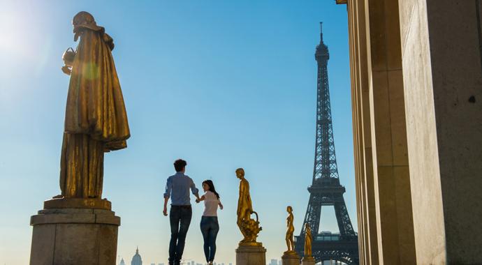 Эмоции, чувство юмора и бережливость: вся правда о французских мужчинах