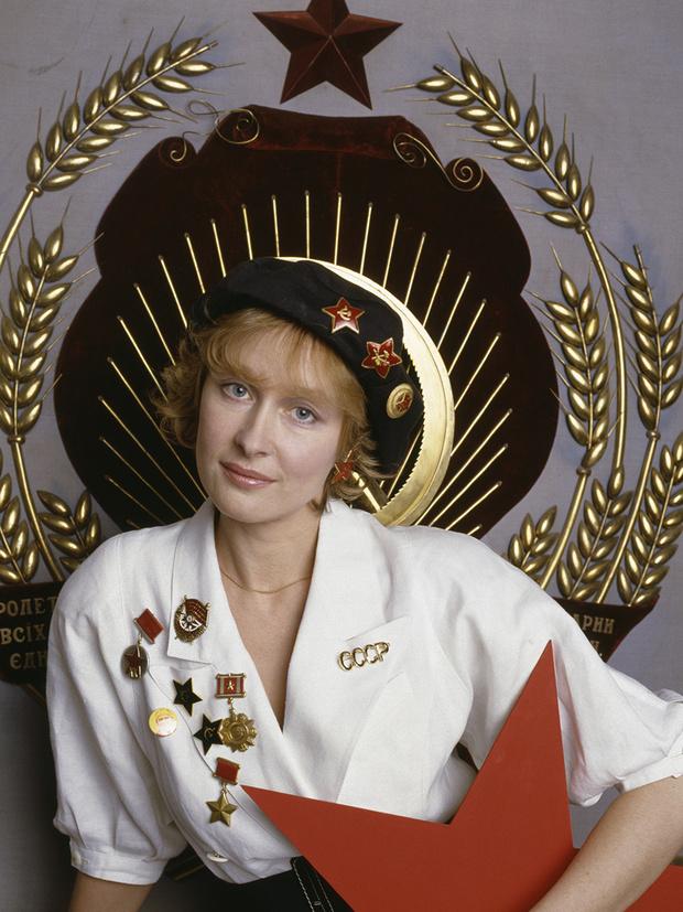 Фото №4 - «Красные звезды перестройки»: популярные советские актрисы в съемке американского фотографа, 1988 год