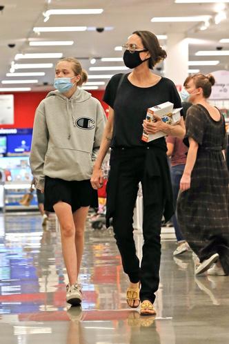 Фото №12 - Почему Анджелина Джоли — снова икона стиля, или Что такое luxe purism
