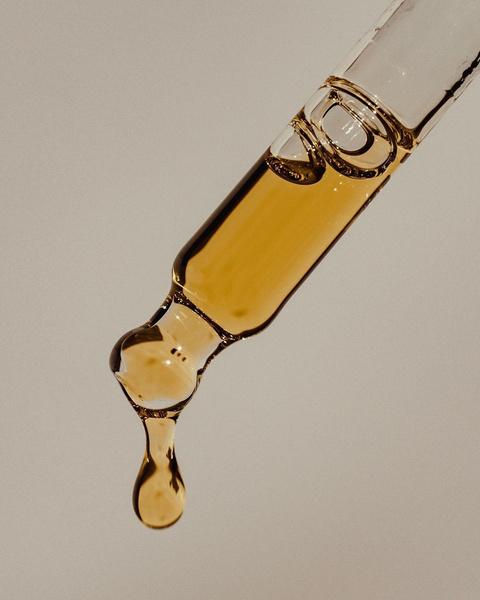 Фото №4 - Выброси мыло и гель: рассказываем, почему масло для душа круче