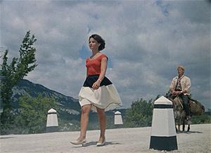 Фото №3 - Сколько сцен сейчас можно вырезать из любой киноклассики: на примере «Кавказской пленницы»