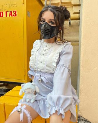 Фото №3 - Амина Tenderlybae выложила фото в милом платье с рюшами и оборками 🌸