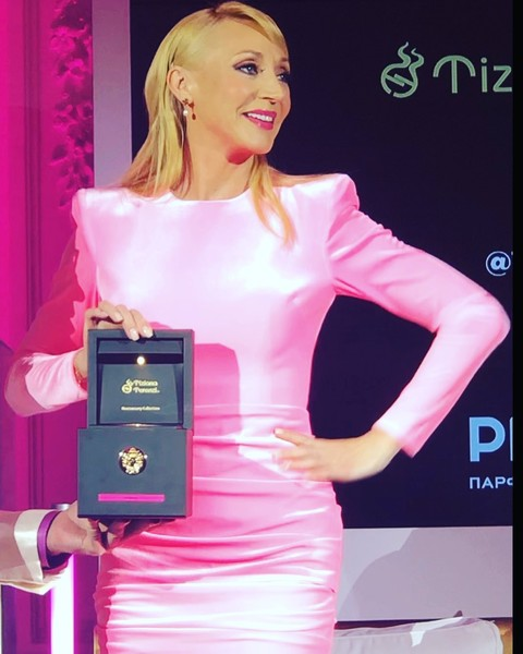 Фото №1 - «Кристина уникальна»: Пугачева поздравила дочь c запуском парфюма за 33 тысячи рублей